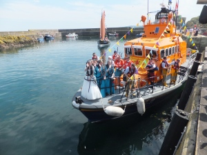 Eyemouth Herring Queen setting off from St Abbs